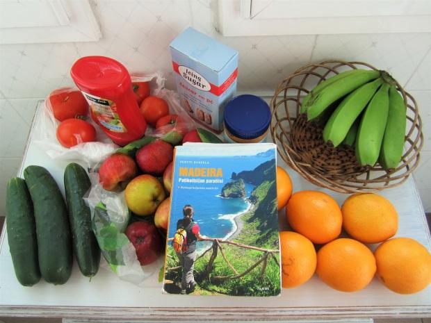 ruokaa ja kirja