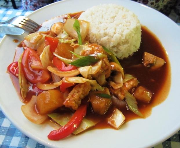 tofua ja kasviksia