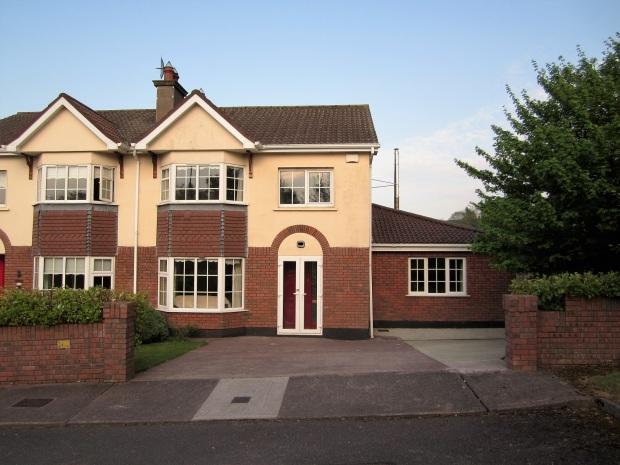 Talo, jossa asuin Irlannissa.