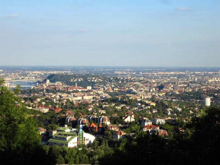 Budapest zoomattuna maastosta kesäkuussa 2017.